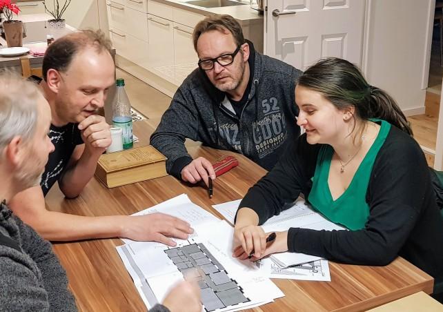 Kolja Sulimma, Stefan Krieger, Tom Lehmann und Elisabeth Veith sprechen über die Architektur des Ewaldshofes
